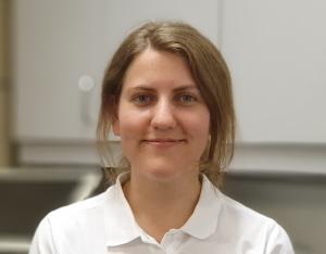 ANNICK GAEBEL: Auszubildene zur Tiermedizinischen Fachangestellten